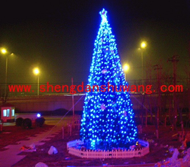 家居展厅外的大型框架LED圣诞树_950x820.jpg
