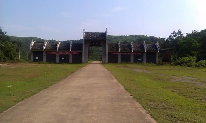 秦岩2.jpg